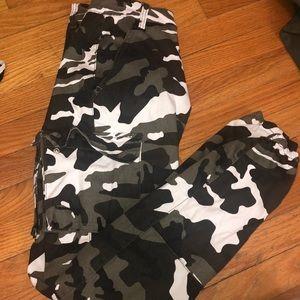 Camo cargo pants/joggers